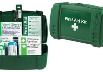 1 PERSON TRAVEL FIRST AID KIT PLASTIC